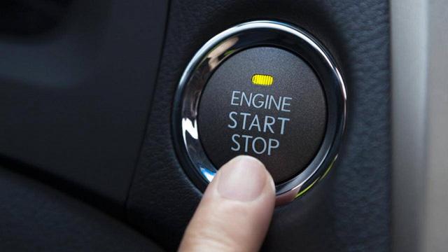 Ô tô đang chạy, bấm vào nút khởi động có ảnh hưởng gì không? - Ảnh 1.